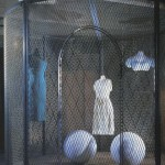Louise Bourgeois, Cell XXV (The View of the World of the Jealous Wife), 2001.Steel, wood, marble, glass, tissue.Courtesy Ellipse Foundation Contemporary Art Collection, Portugal.© Louise Bourgeois trust, Cheim and Read, ADAGP