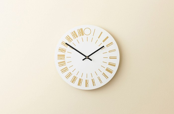 Issue 20, by visual artist Tauba Auerbach, takes the form of a 24-hour wall clock.