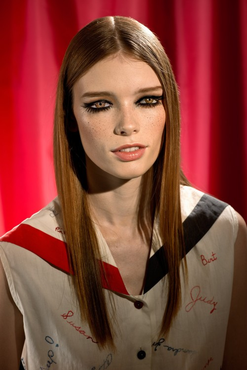 Laurie Simmons, How We See/Look 1/Julia, (2014).